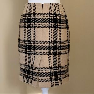 LOFT Skirts - Ann Taylor Loft Camel Black Plaid skirt Size 6
